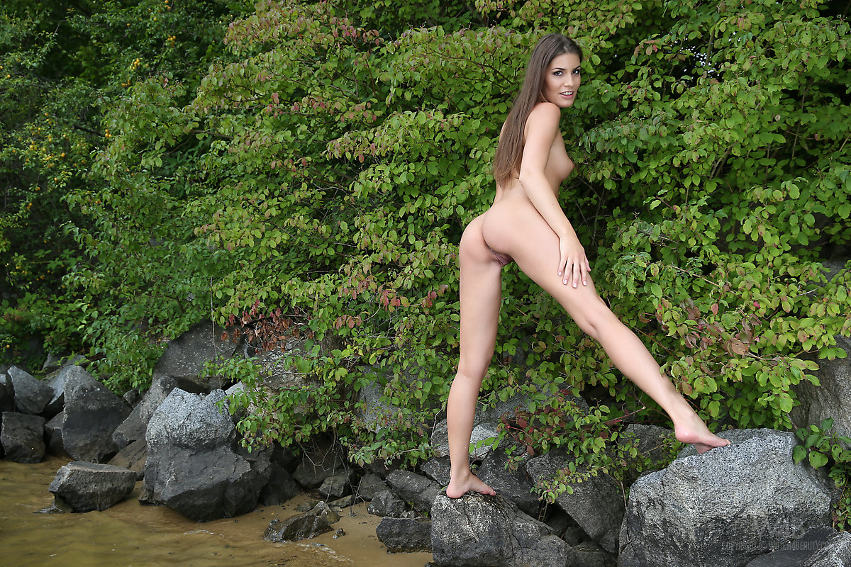 Black naked gallery — pic 12
