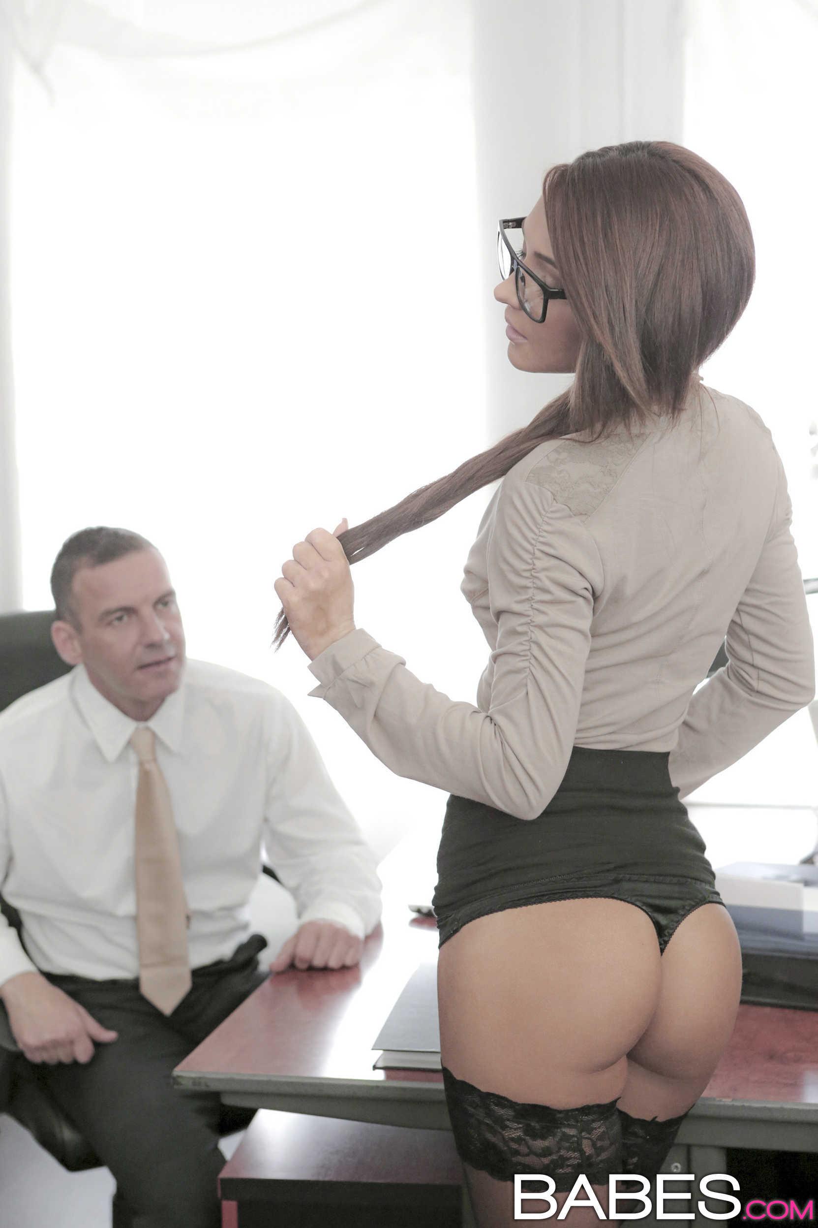 Секс на рабочем месте россия 24 фотография