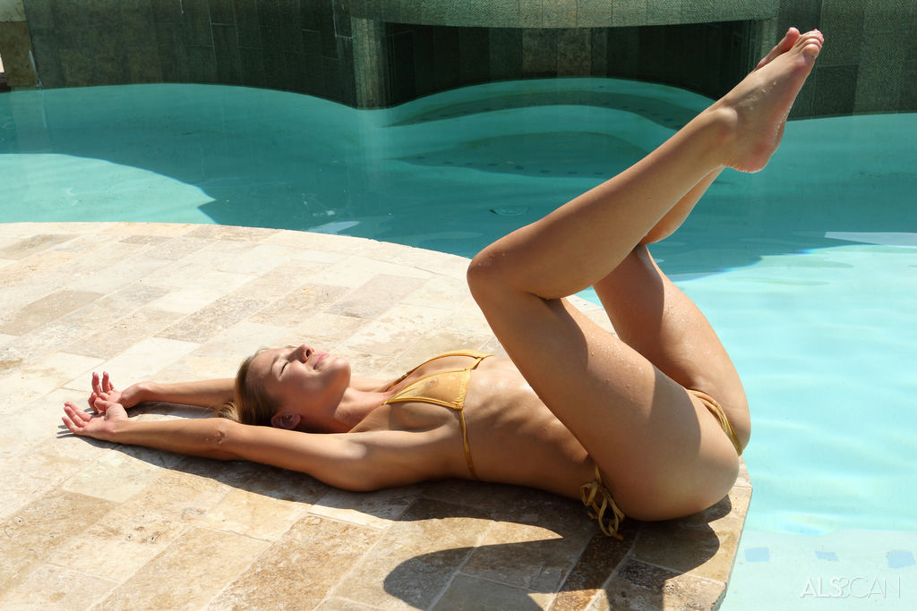 Alexis Crystal in Spicy Sunbather photo 5 of 17