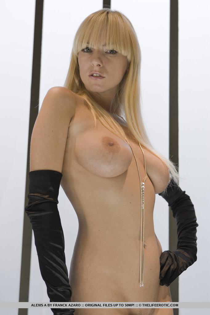 Hot naked supple women