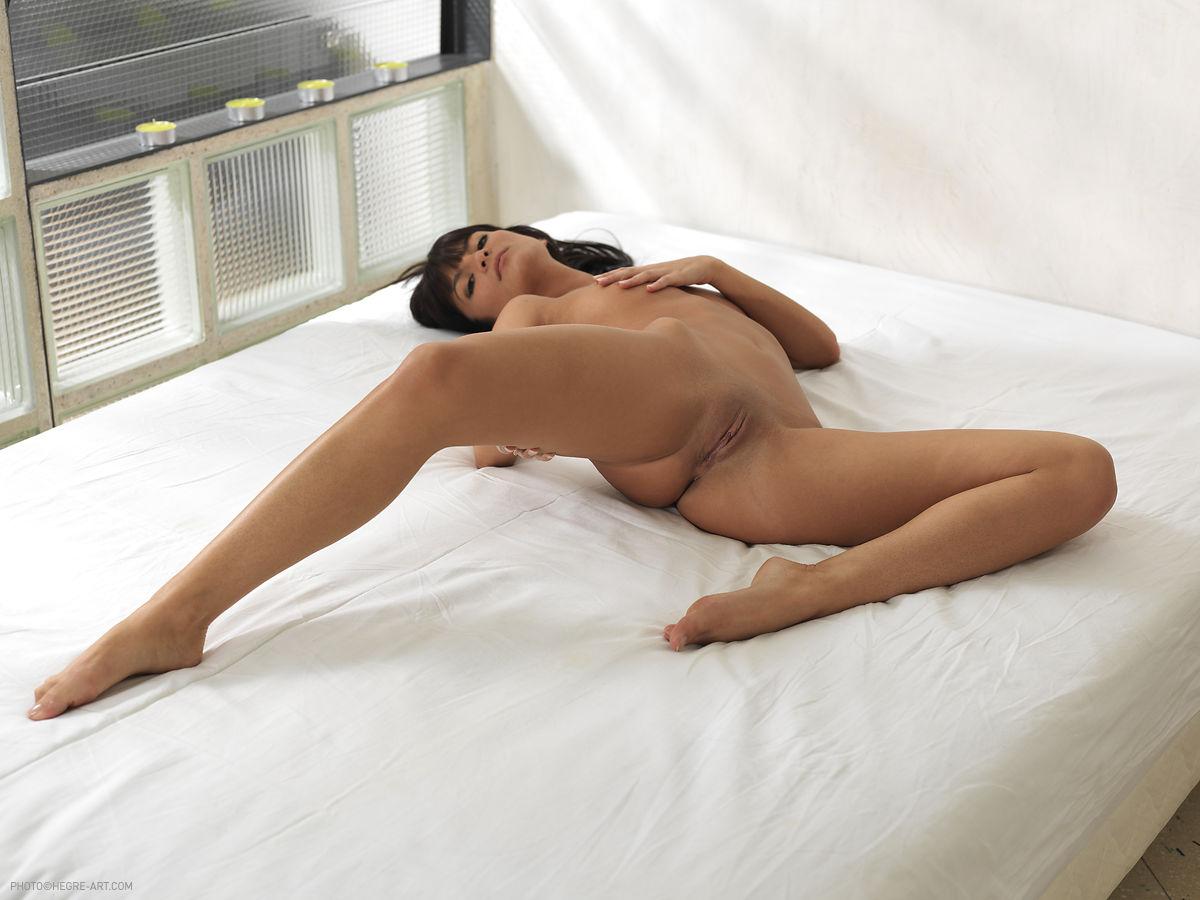 amandine nude photos
