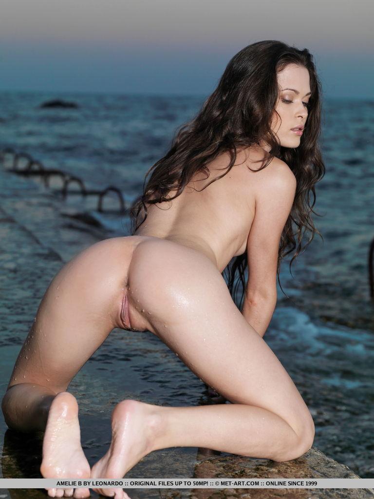 Heroines nude videos-8699