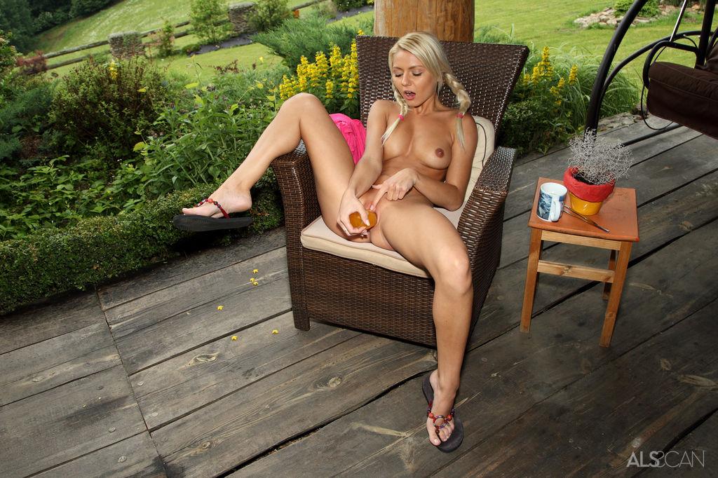 Naked Flip Porn 115