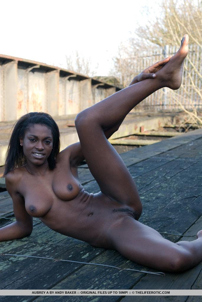Ghana woman 4 - 1 4