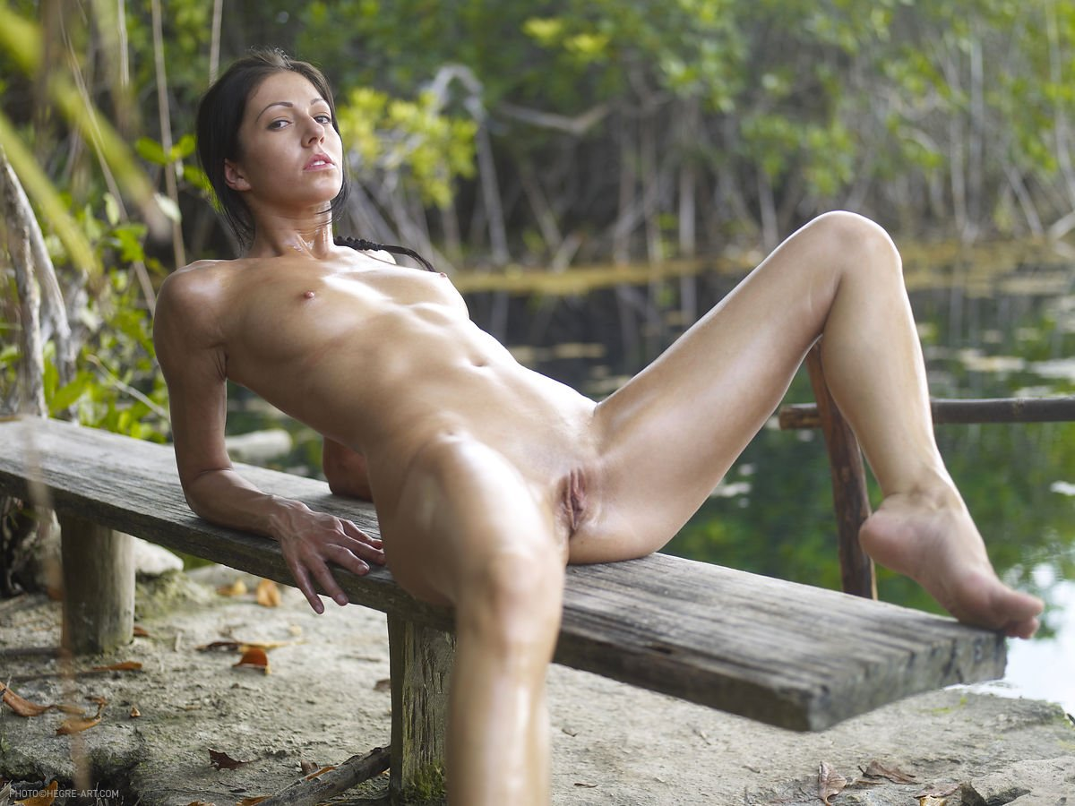 Jungle girl big tit xxx photo porn picture