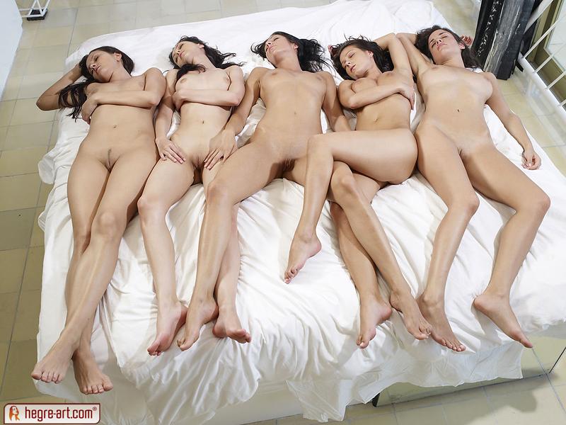 эротические фото групп девушек
