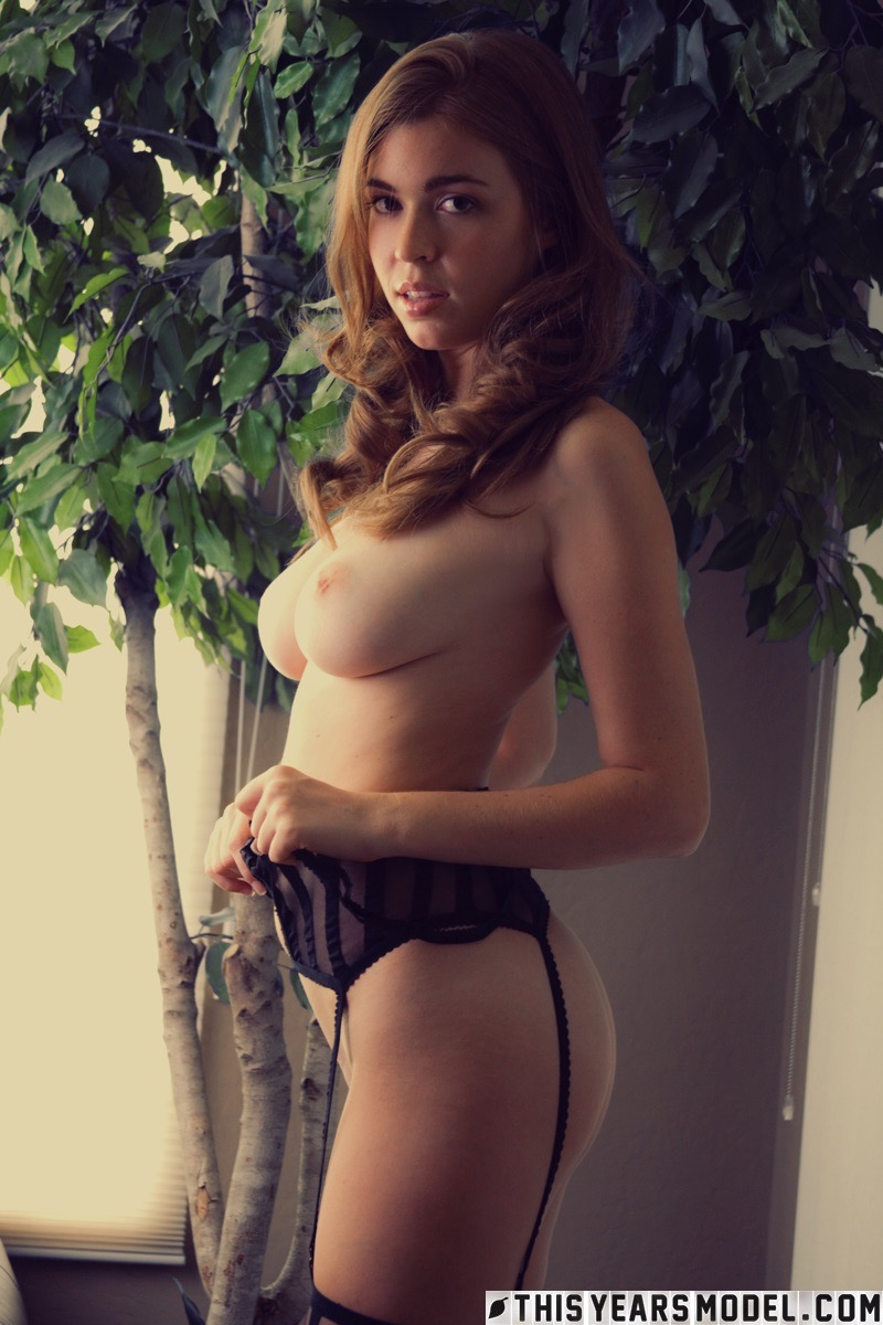 Dannie Summers in Danni is bountiful & magnificent photo 8 of 15