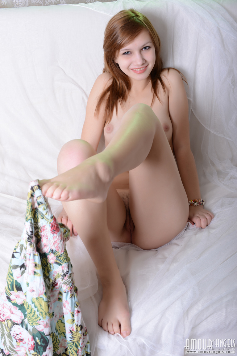 funny pic of nude gals
