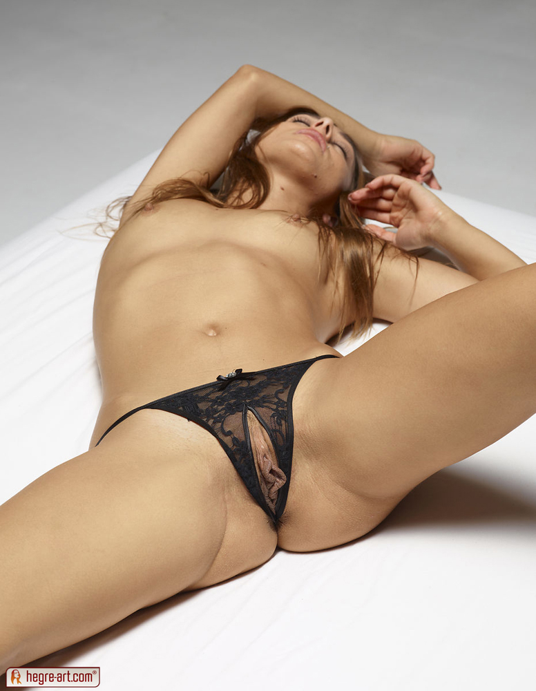 dominika c in dominika c pussy pantieshegre-art (18 nude photos