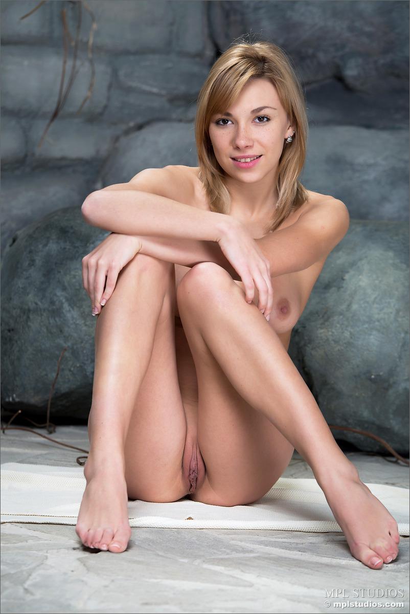 underground nudist