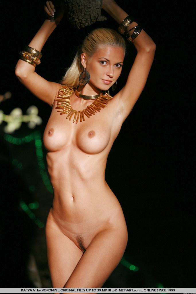 Elizabeth banks nude sexy — photo 6