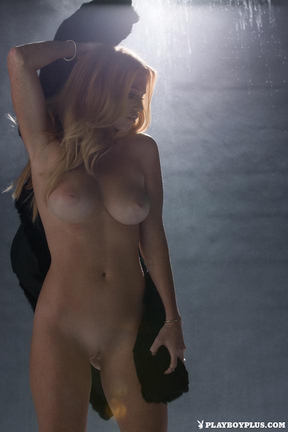 Using naked minn girls black hair