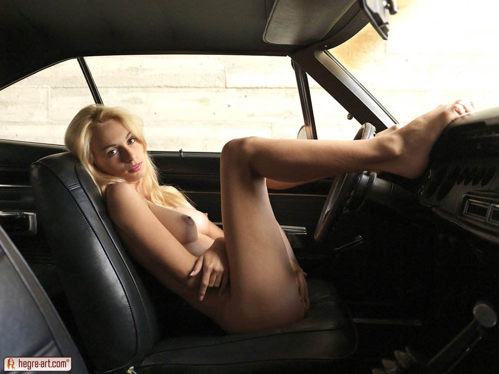hot girls and muscle cars