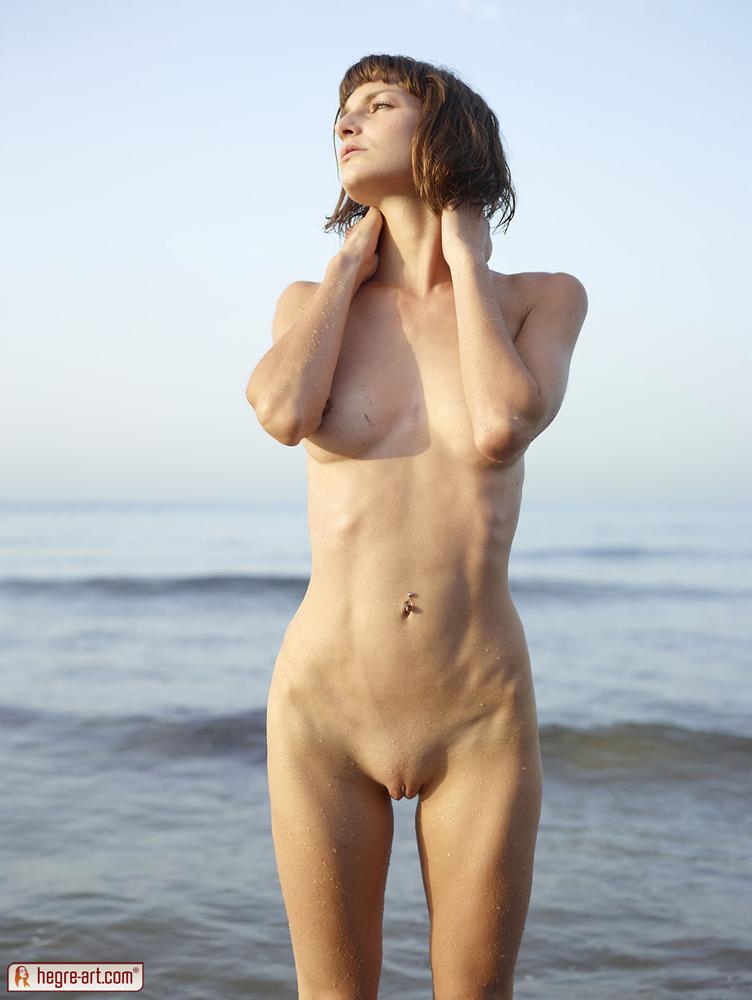 фото голая худая девка