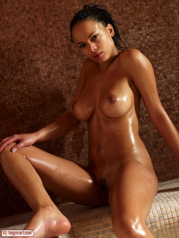 Gabriella nude pictures