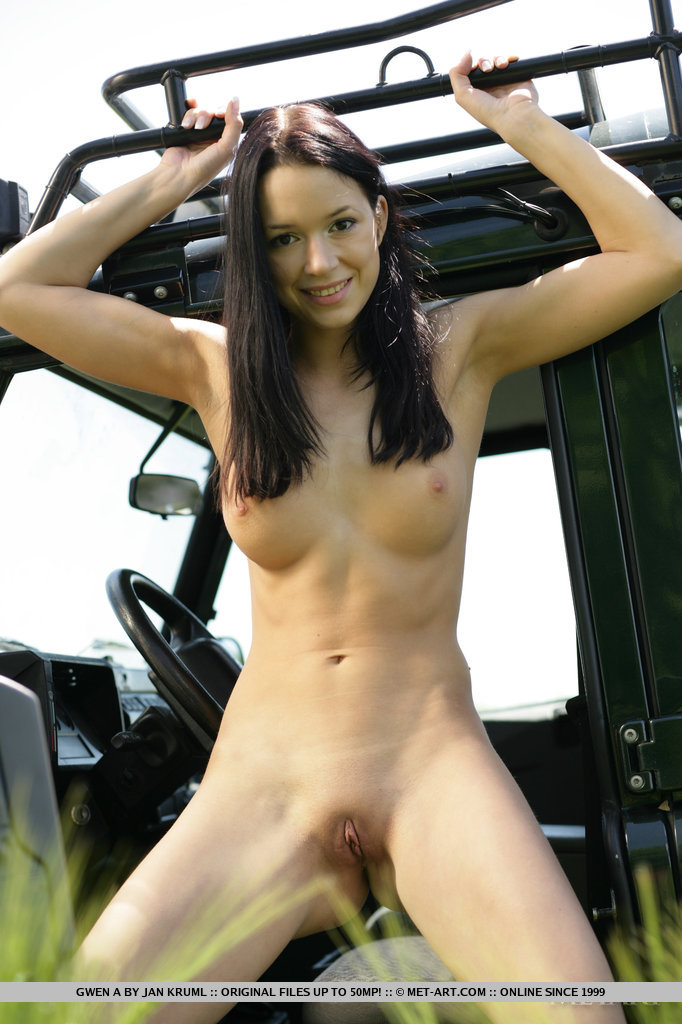 girls-nude-in-jeep-photos-muslim-pornk