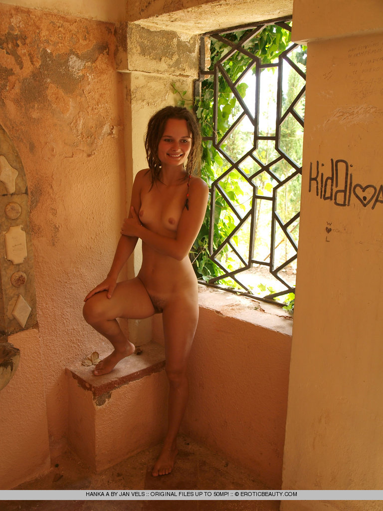 beautiful with dreadlocks nude
