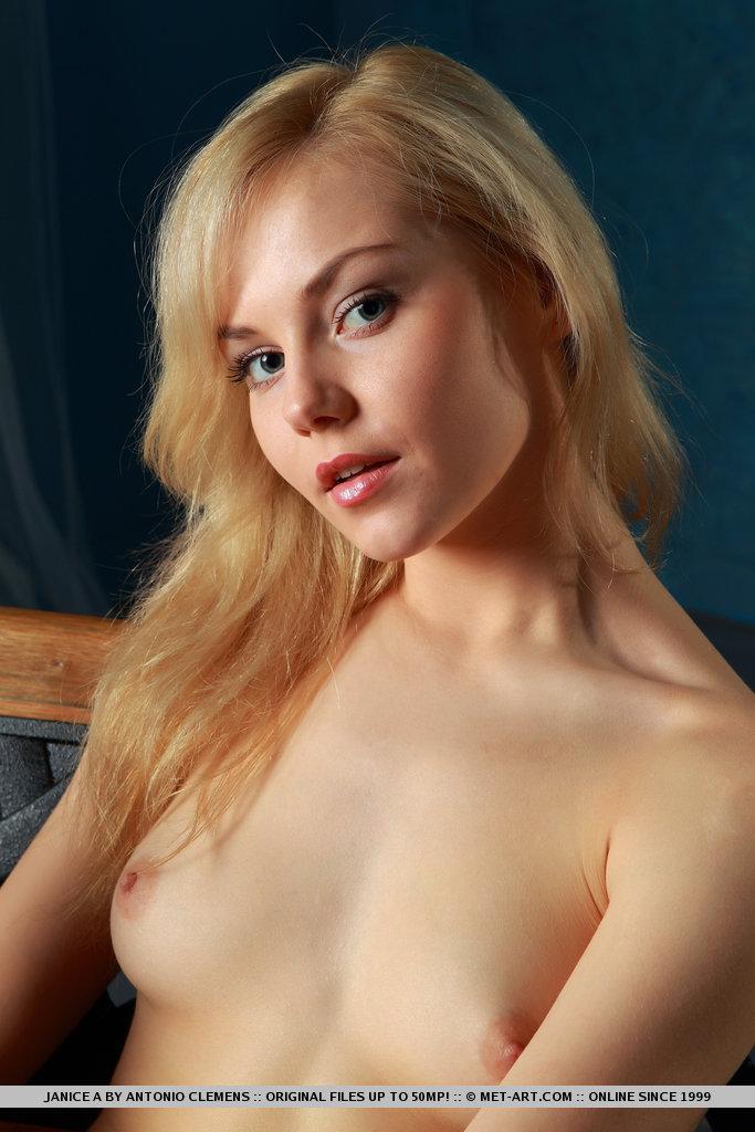 Young girls sucking cock pics