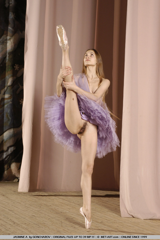 Ballet in the nude, first wet spunk up