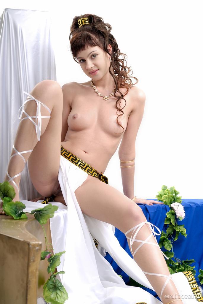 kleopatra nude