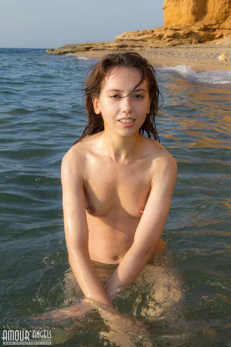 20 Girls Nude