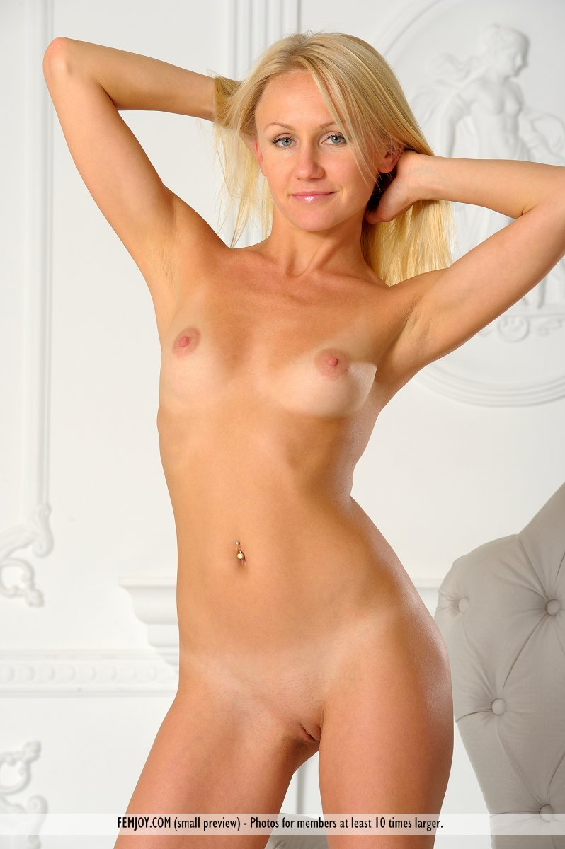 Skinny women masturbating nude