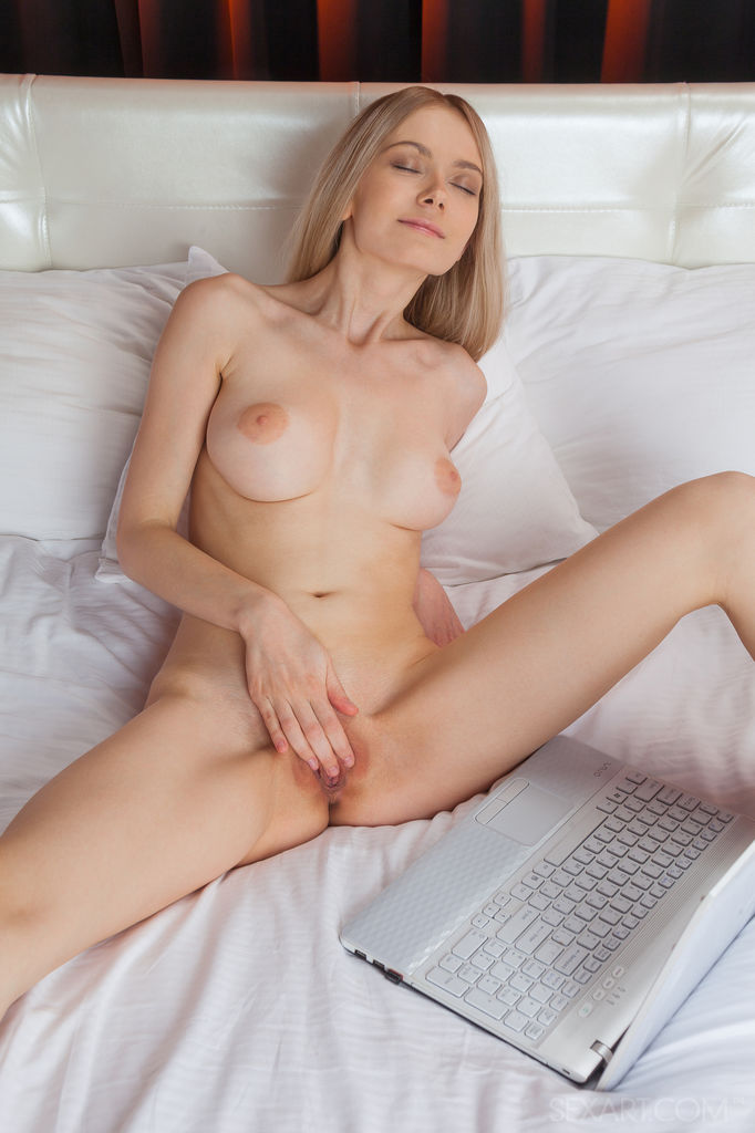 Glamour euro ladies love lesbians fun when they meet up - 2 part 9