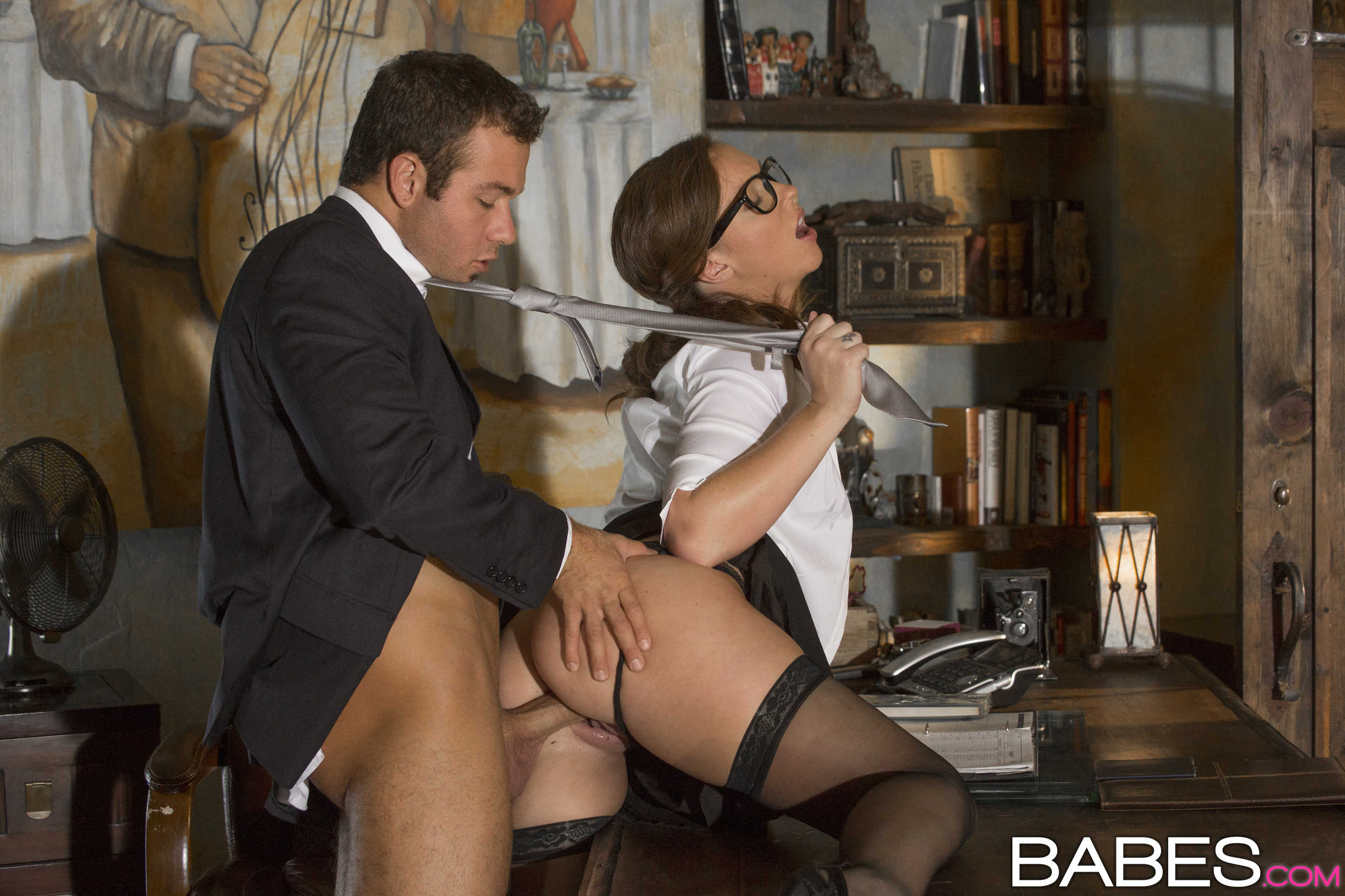 Фильмы порно в офисе