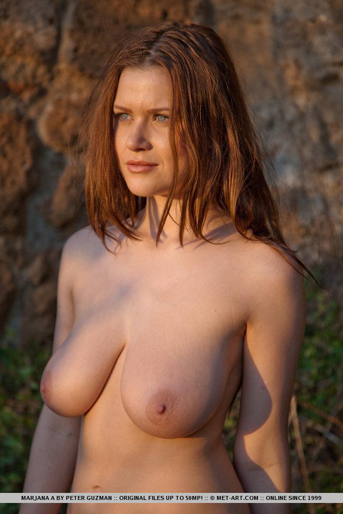 Sexy pornstar cleavage xxx