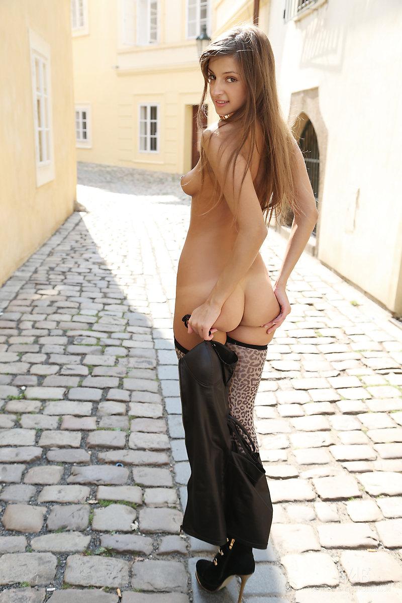 sexy-street-girls-nude-porn-exibition