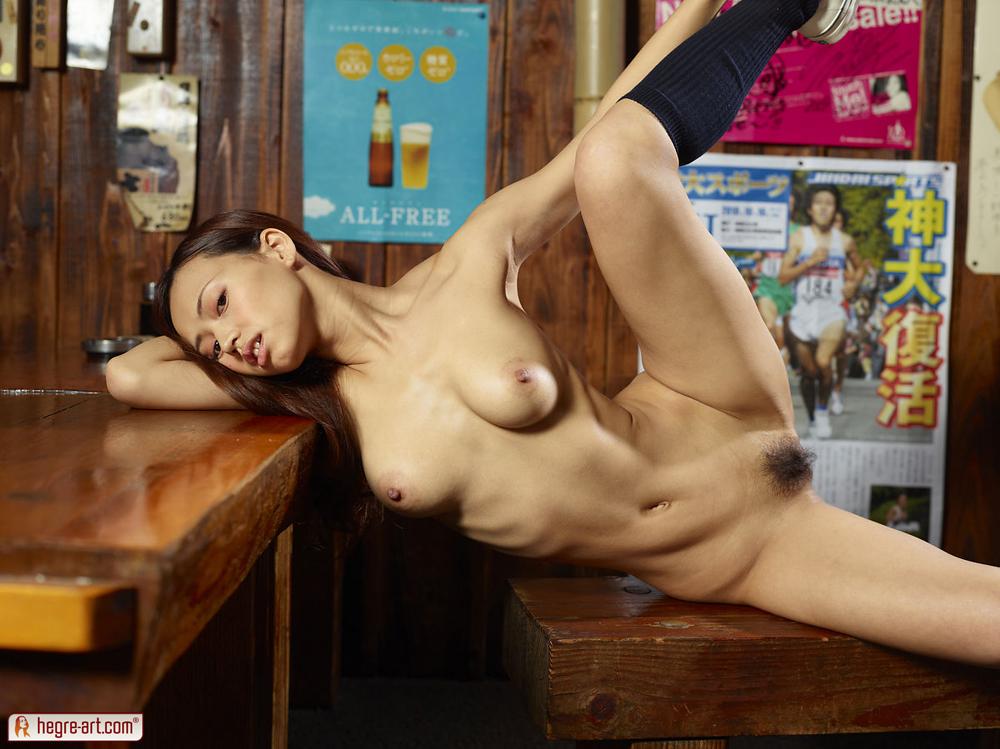nude bikini muscle girls boobs