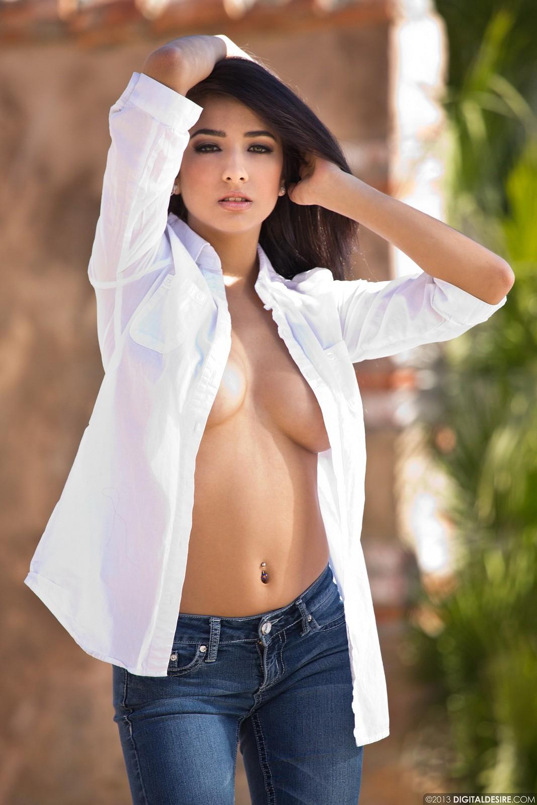 maedchen-ohne-hemd-nackt