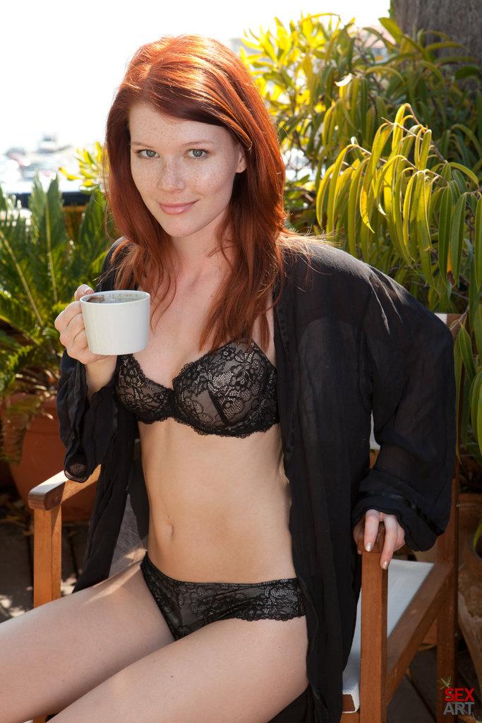 long-red-hair-voyeur-hot-skinny-half-naked-girls