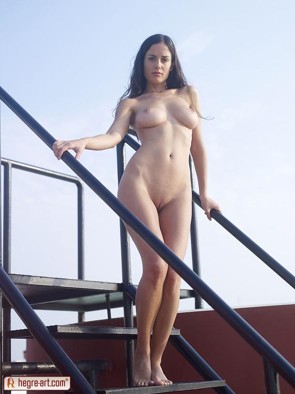 аюша хадж-хамед фото голая и в купальнике