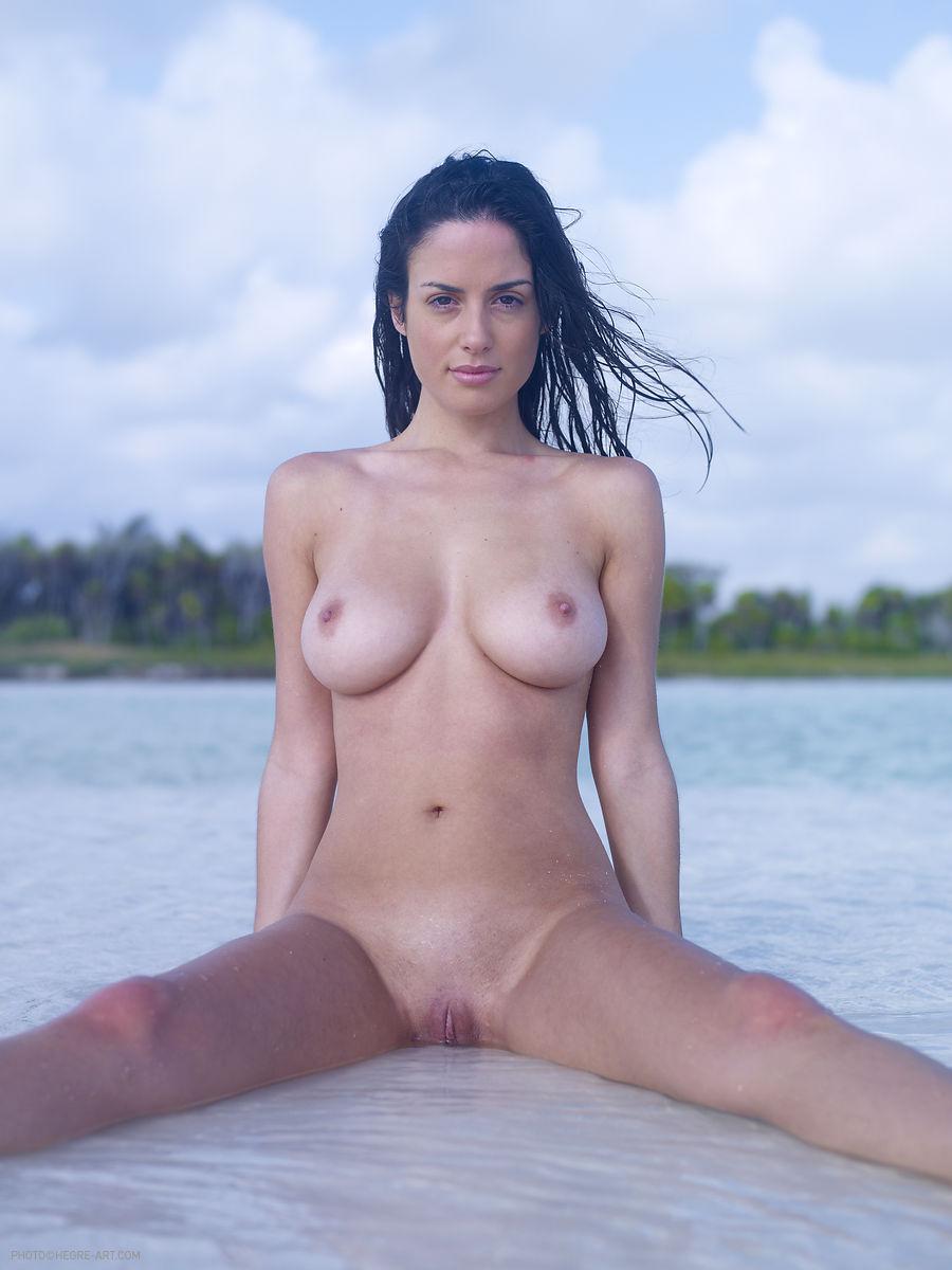 Playa hardcore mpl desnuda
