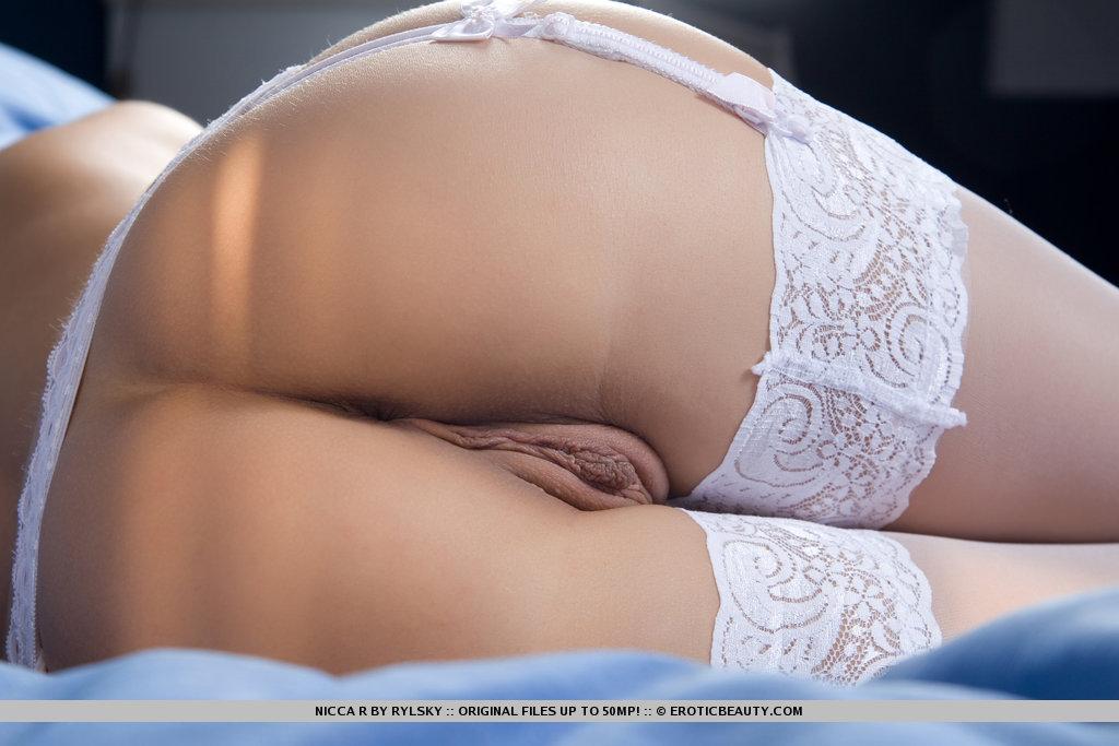 порна фото в кружевных трсиках