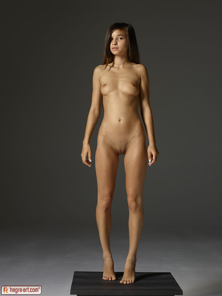 who is the hottest women in the world nude