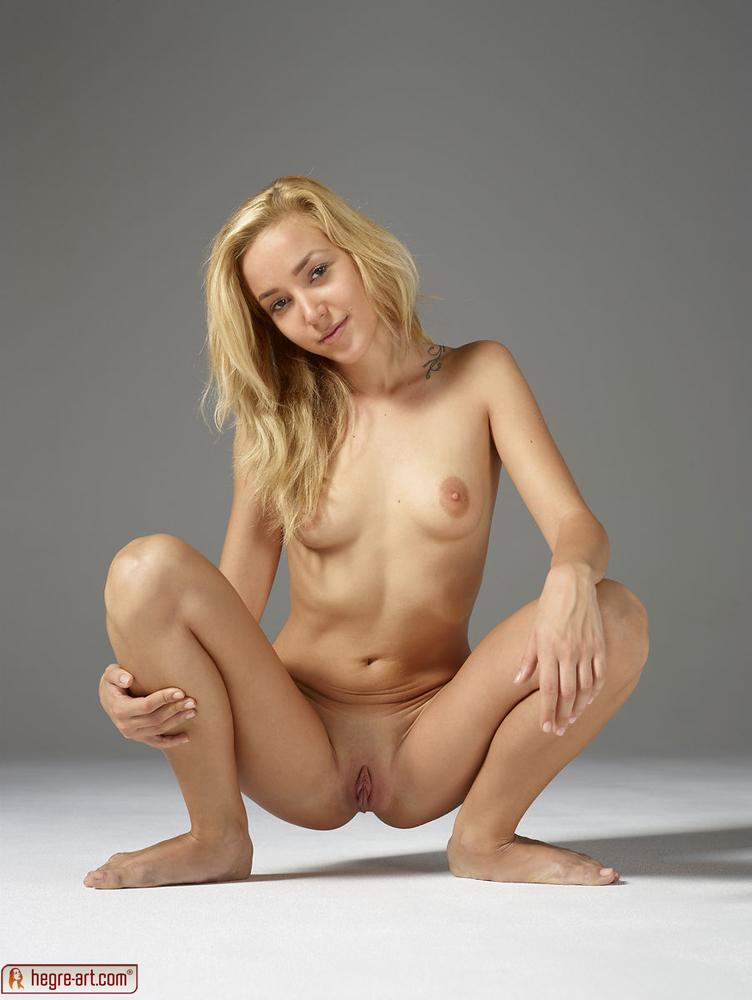 squat nude tumblr