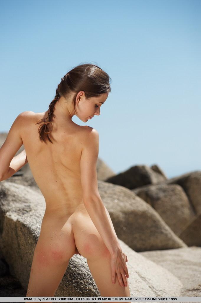 girls nude photos free