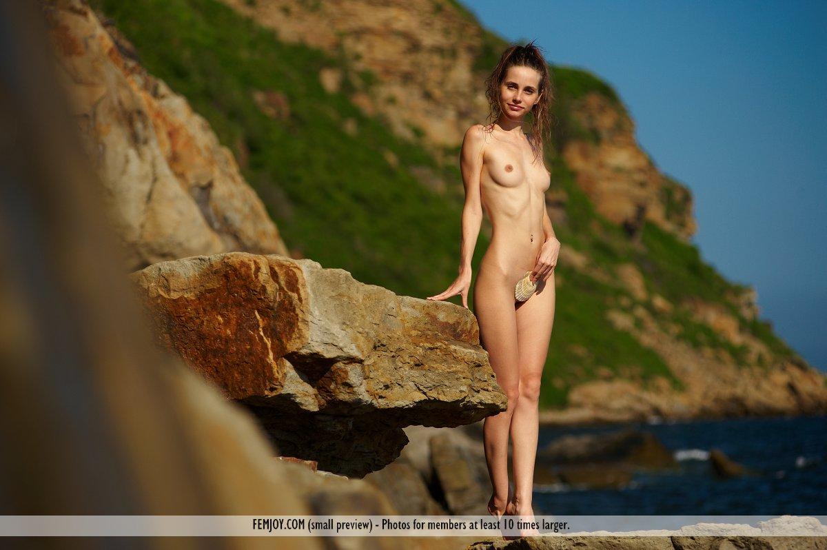 Fibby Nude Video 86