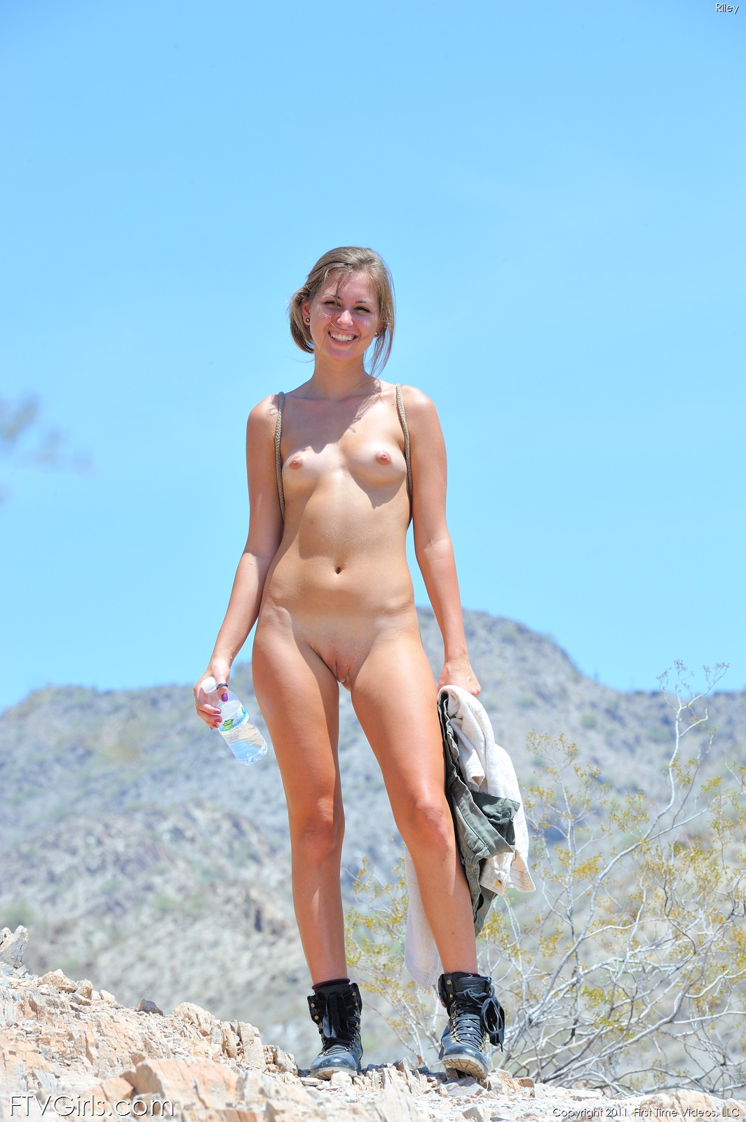 Riley In 100 Cute - 107 Degree Hike By Ftv-Girls 84 Nude -6460