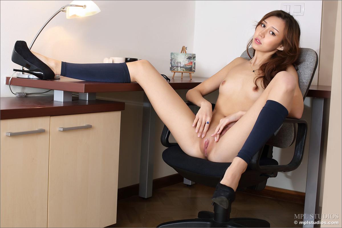 Hot wife do it herself 9