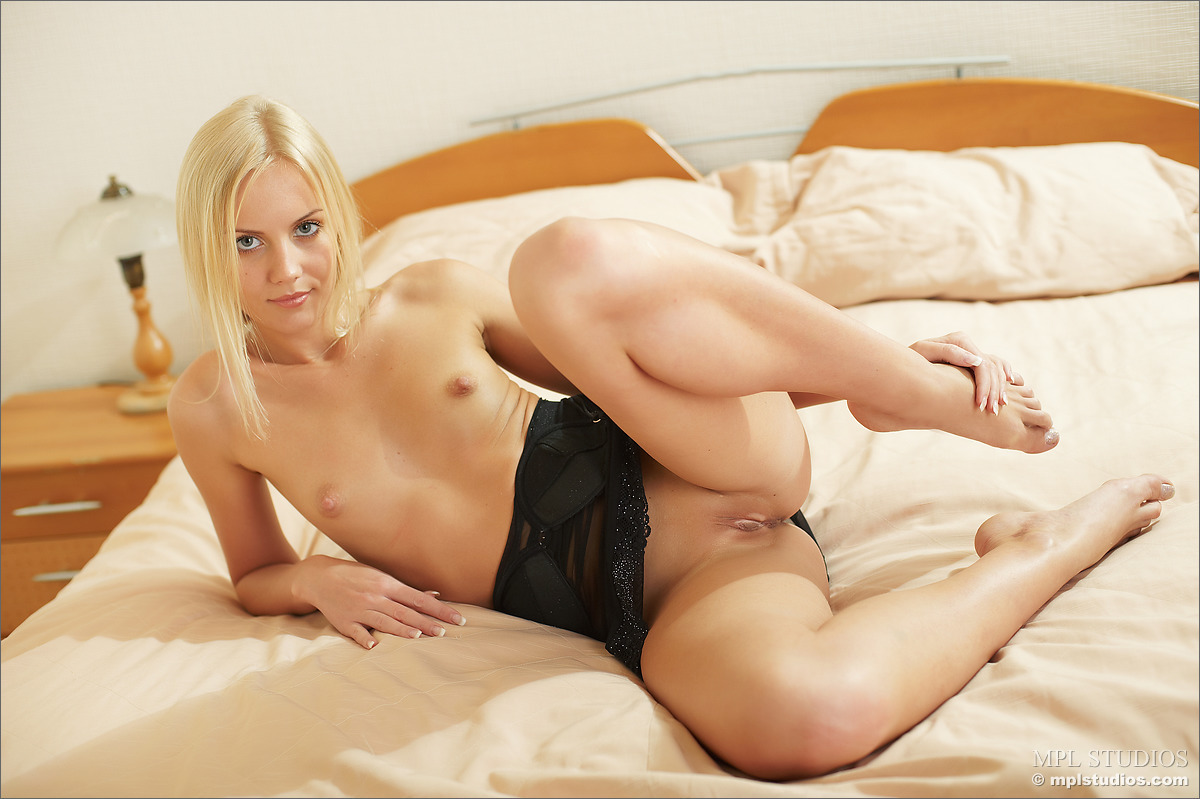 Hot euro babe sandra brown on stocking sucked cock and