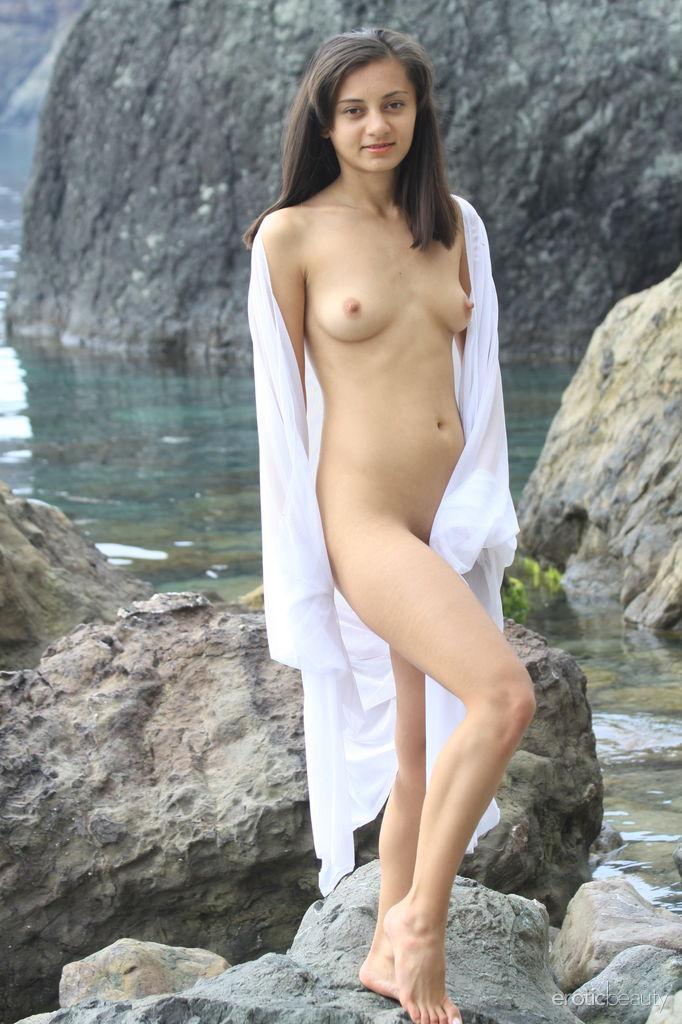 getting-girls-nude-erotic-photo-gallery