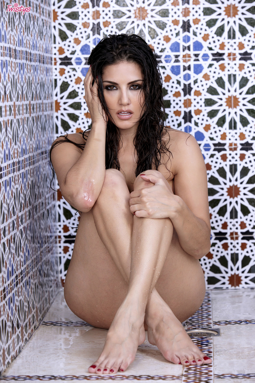 Toes sunny leone