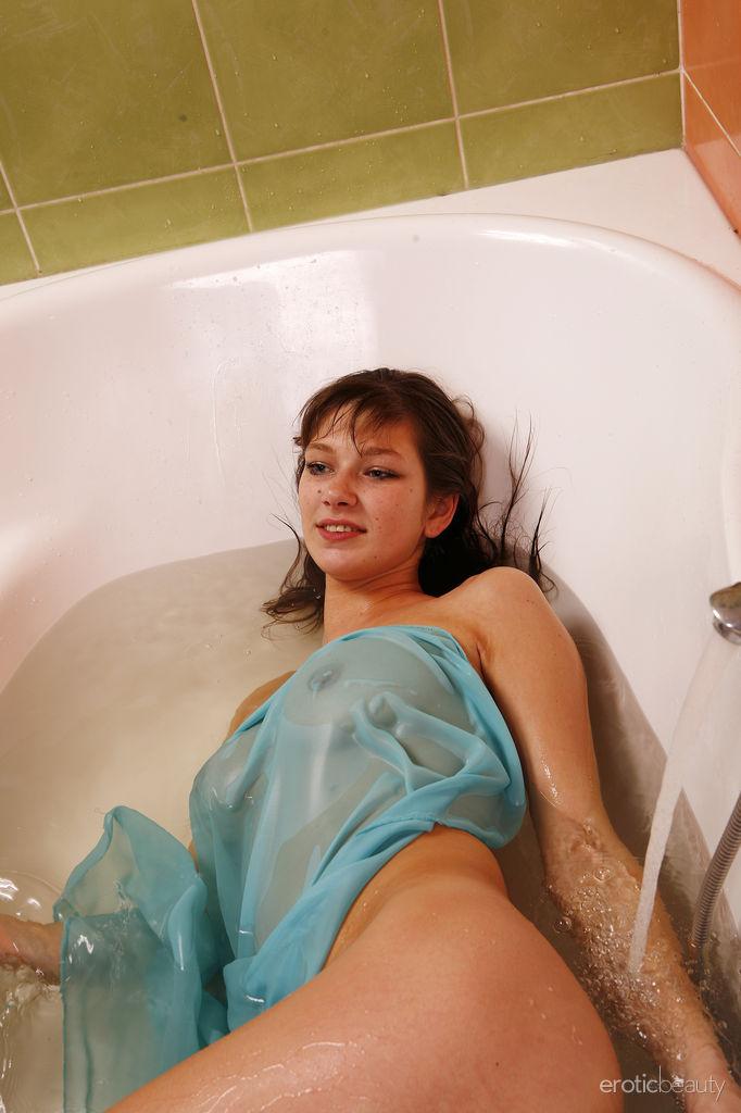 Beauty Bathing Nude 69