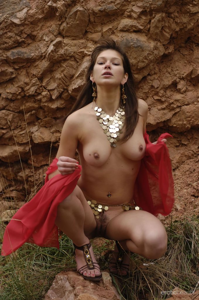 Romanian free nude pics — photo 2