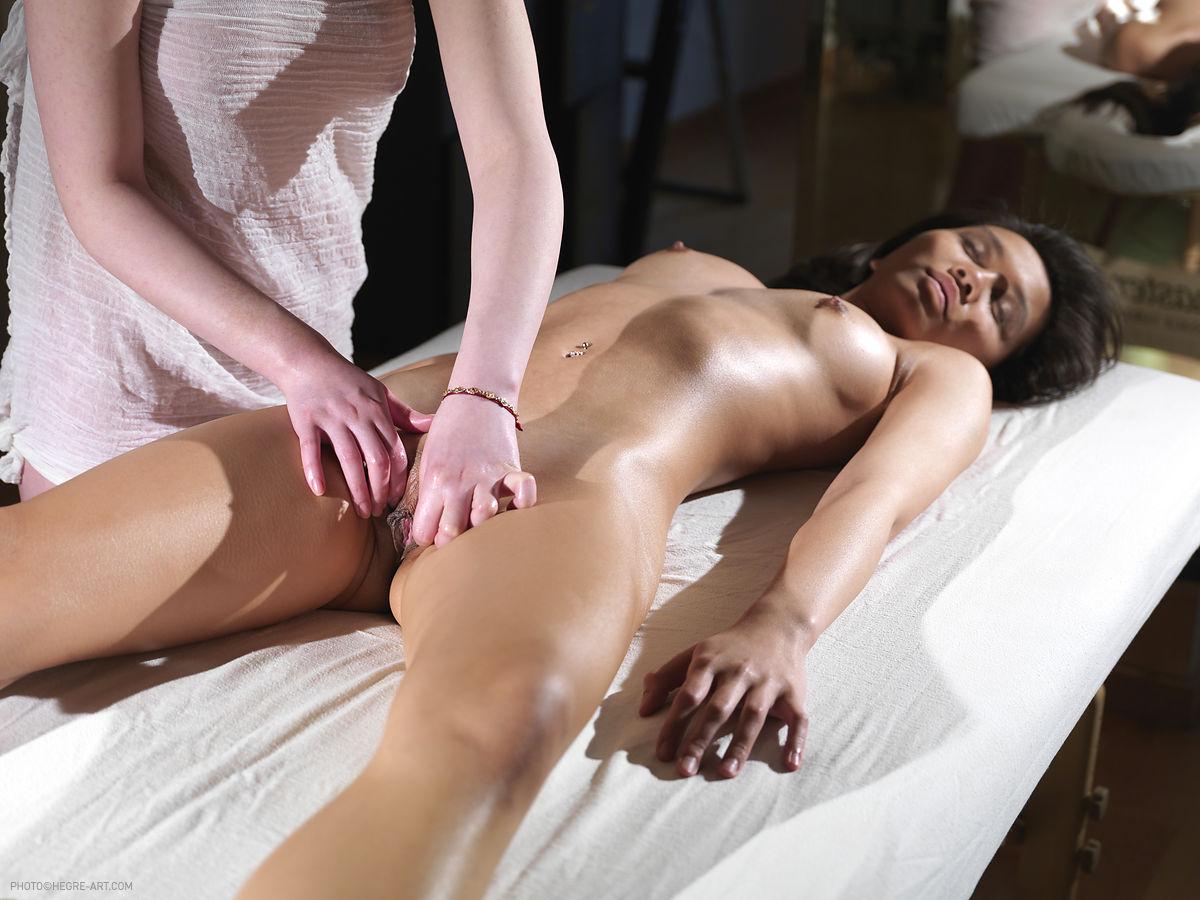 smotret-besplatno-tayskiy-eroticheskiy-massazh