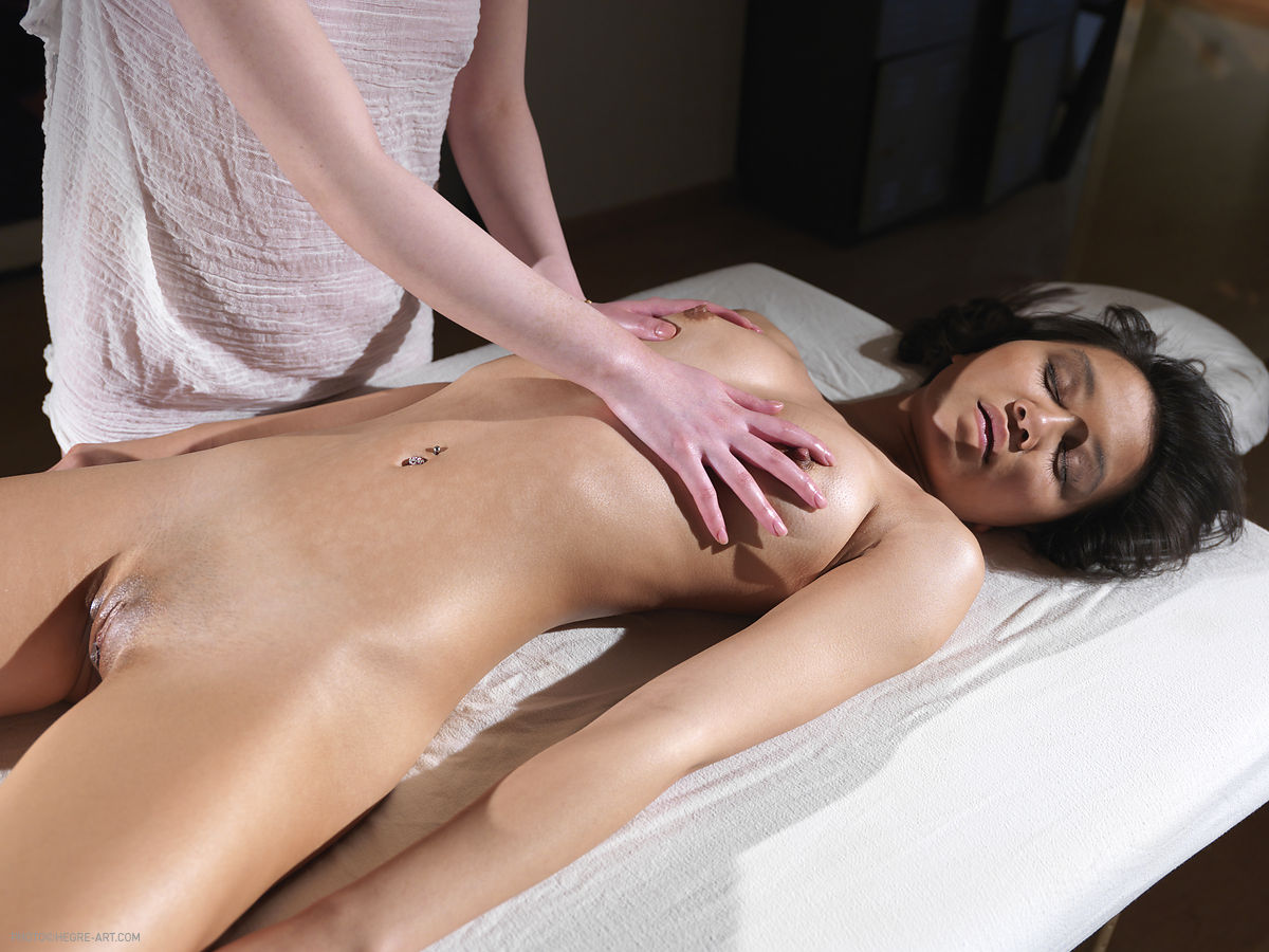 nude-massage-in-swiss