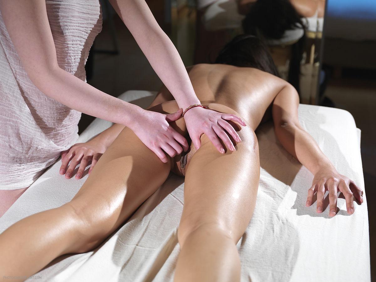 Секс массаж в таиланде останавливается, снимает